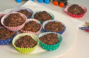 chocolate-crackles-2.jpg