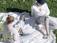 girls-having-picnic.jpg