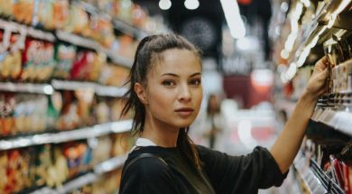 unsplash-image-Woman-shopping.jpg